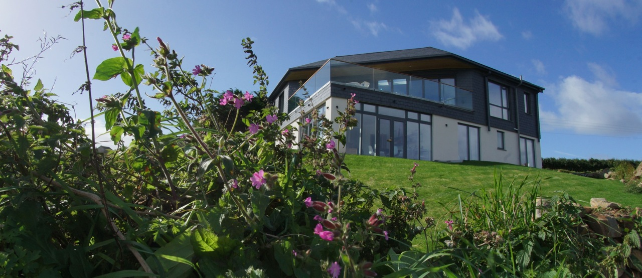 Inspiring architecture designed house in Cornwall back