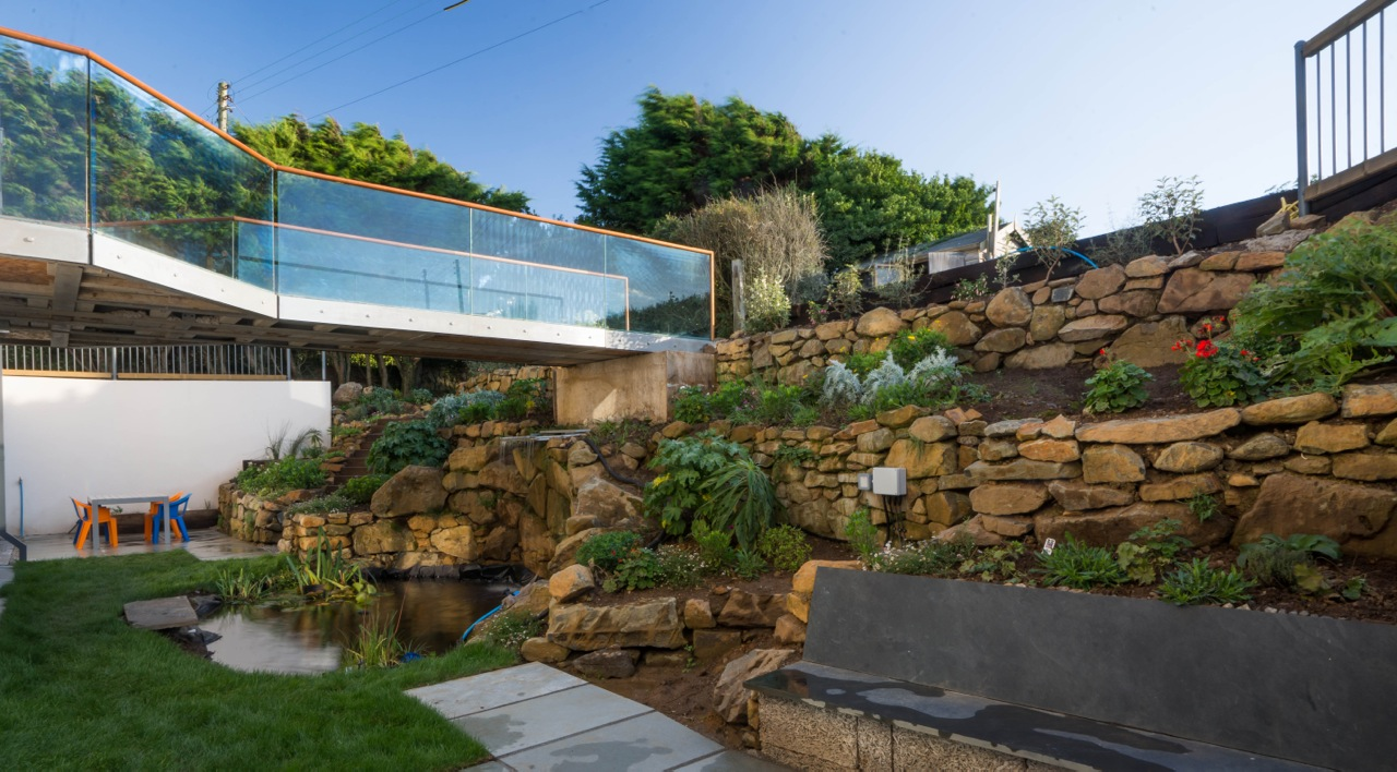 Inspiring architecture designed house in Cornwall garden